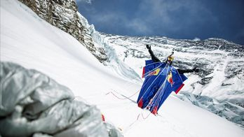 Flying High, the Quest of Everest