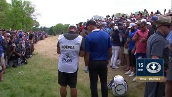 Brooks Koepka bloquer par le public pour jouer