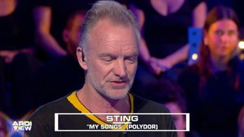 Englishman in Paris : Sting