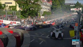 Carambolage monstre au départ du ePrix de Berne !