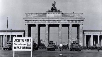 Countdown to 1961 : la construction du mur de Berlin