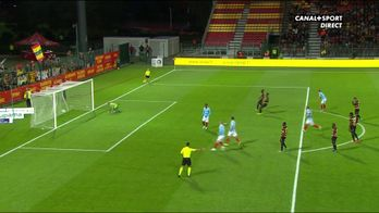 Le penalty de Simon Banza et le 4e but du RC Lens / Ligue 2 - 9ème journée