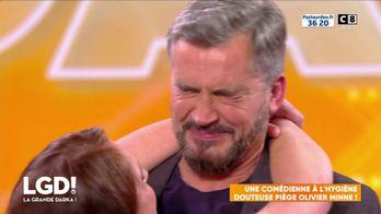 Une comédienne à l'hygiène douteuse piège Olivier Minne