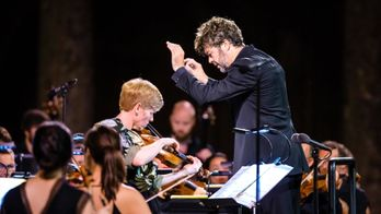 Pablo Heras-Casado et le Mahler Chamber Orchestra : Stravinsky, Eötvös, Falla