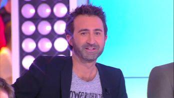 """Cyril joue au jeu du """"Poissard ou pas ?"""" avec Mathieu Madénian et danse avec un seau"""