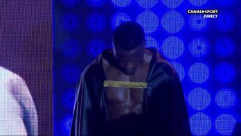 L'entrée sur le ring de Kevin Lele Sadjo
