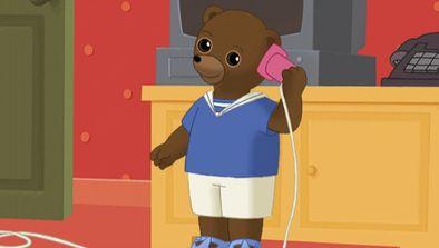 Petit Ours Brun veut téléphoner