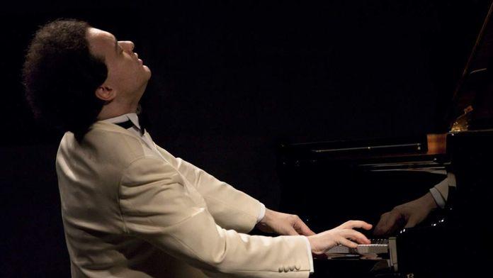 Evgeny Kissin joue Chopin, concerto pour piano no. 2