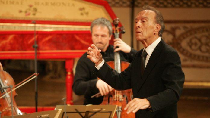 Claudio Abbado dirige les Concertos Brandebourgeois