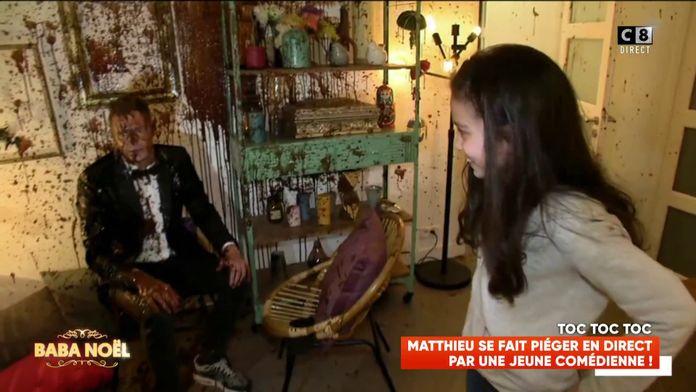 """Matthieu Delormeau se fait piéger par une de ses """"fans"""" avec un chocolat gate !"""
