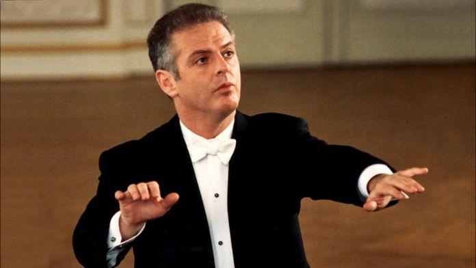 Daniel Barenboim joue et dirige le Concerto pour piano n°26 de Mozart