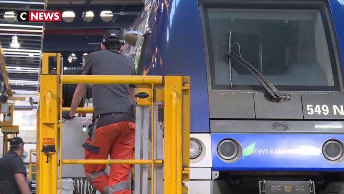 À Noisy-le-Sec, les techniciens de la SNCF préparent les trains à la sortie de grève