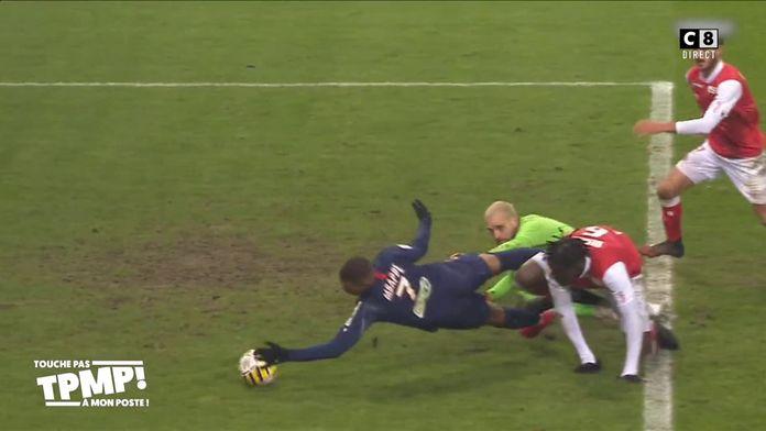 Kylian Mbappé remporte un carton jaune pour tricherie !