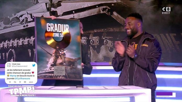 """Gradur reçoit un disque d'or et de diamant pour l'album """"Zone 59"""""""