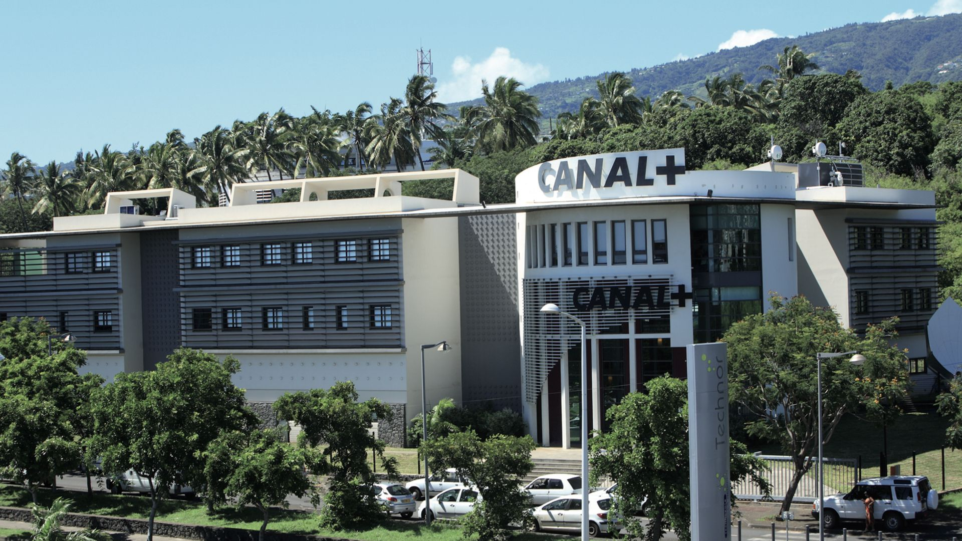 Réunion, CANAL+INTERNATIONAL