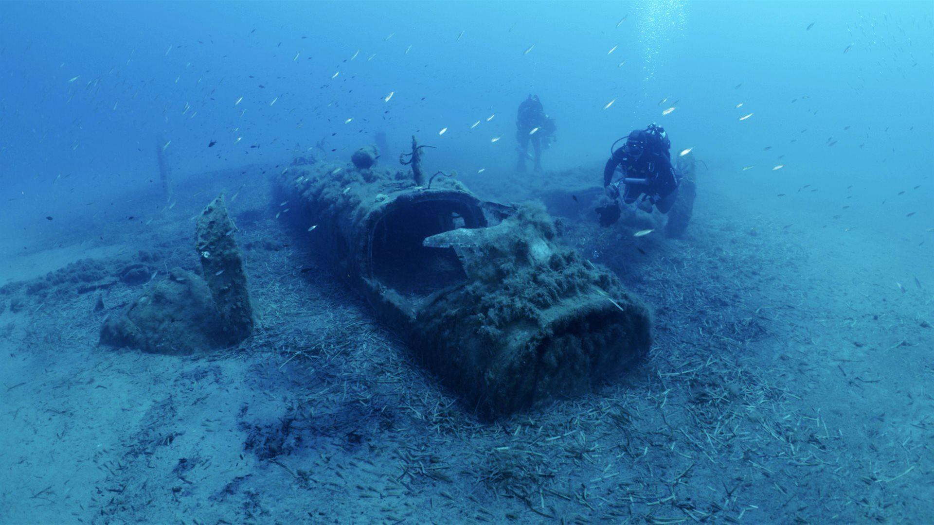 USS Corsica : l'île porte-avions