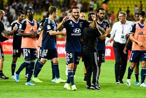 Lyon s'amuse, Marseille trébuche