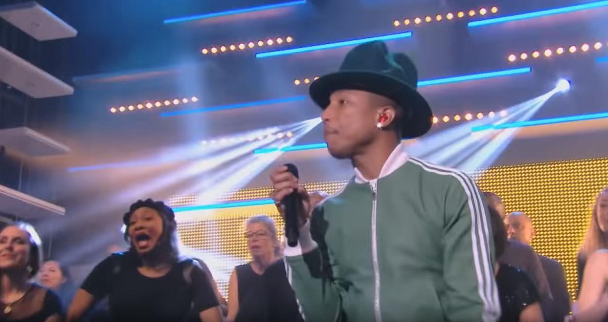 "Pharrell Williams : ""Happy"" - Live CANAL+"