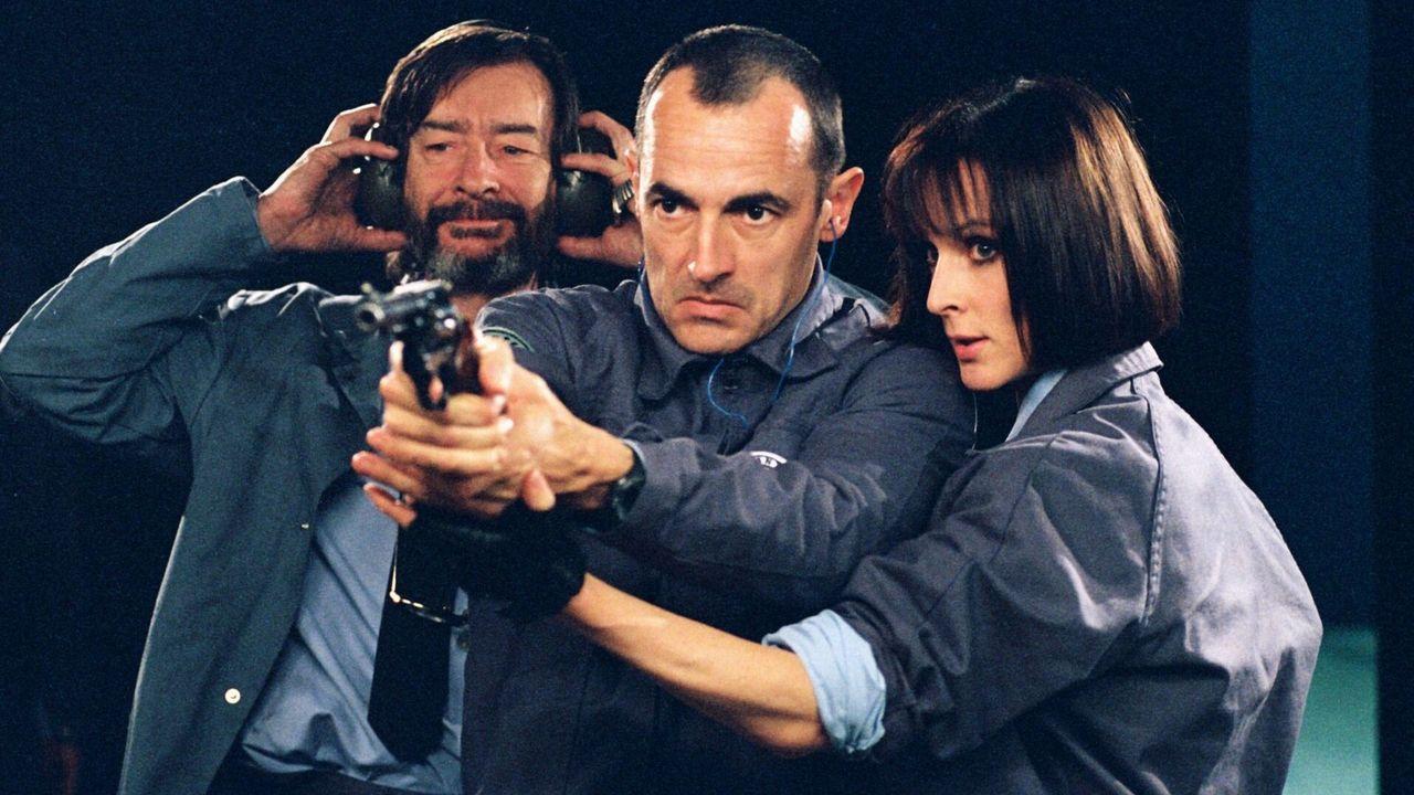 Un homme en colère : une bande annonce musclée pour le remake du Convoyeur avec Jason Statham