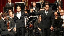 "Juan Diego and Friends chantent pour ""Sinfonia por el Perú"""