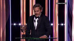 """""""le message à ceux qui ont tellement contribué au cinéma"""" de Joaquin Phoenix - BAFTAs  2020"""