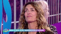 Mademoiselle Agnès dos à dos avec Catherine Ceylac