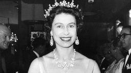 Elizabeth II : Le début de règne