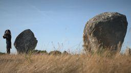 Unique - un artiste, un lieu, un concert : Nemanja Radulovic - sur le site mégalithique de Carnac