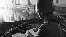 Etats de siège, 1944-1945 : Les poches de La Rochelle et Royan