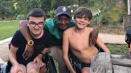Objectif Kilimandjaro : Oscar et Arthur sur le toit de l'Afrique