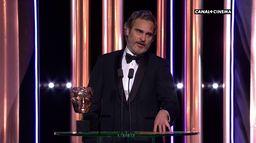Joaquin Phoenix reçoit le BAFTA du meilleur acteur pour Joker