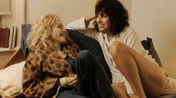 The Bisexual : deux femmes, une histoire d'amour, plusieurs possibilités