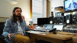 """""""Le Bureau des Légendes"""" expliqué par Rob, compositeur de la B.O."""