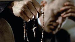 De L'Exorciste à The New Pope : quand les hommes d'Église affolent les écrans
