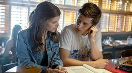 A Teacher : Tout ce qu'il faut savoir sur la série avec Kate Mara et Nick Robinson