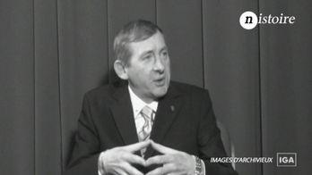 Nistoire :  notre Président face à la crise - Groland - CANAL+