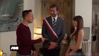 Babor Lelefan réalise un porno avec Monsieur Poulpe pour Dorcel