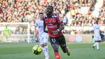 Marseille et Guingamp abdiquent
