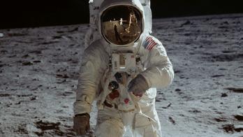 Les 50 ans du programme Apollo en 30 morceaux lunaires