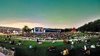 Cinéma en plein air de La Villette, c'est Demain avec Ciné+ !
