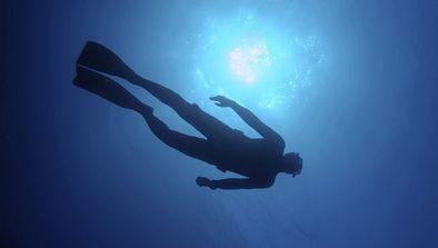 Abyss, les plongeurs de l'impossible : Le Gouffre bleu (Bahamas)