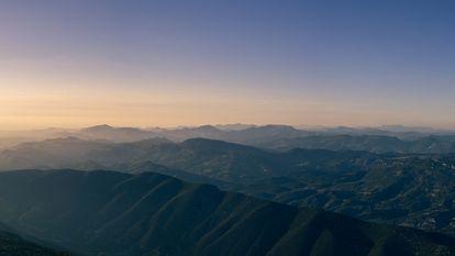 Au petit matin, une vue du Mont-Ventoux, dans le Vaucluse, en région PACA.