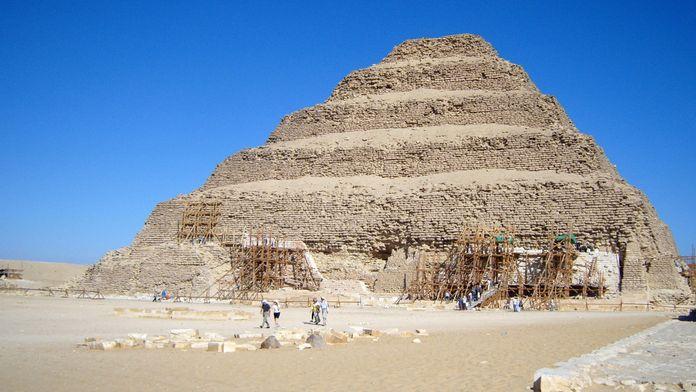 SOS Pyramide