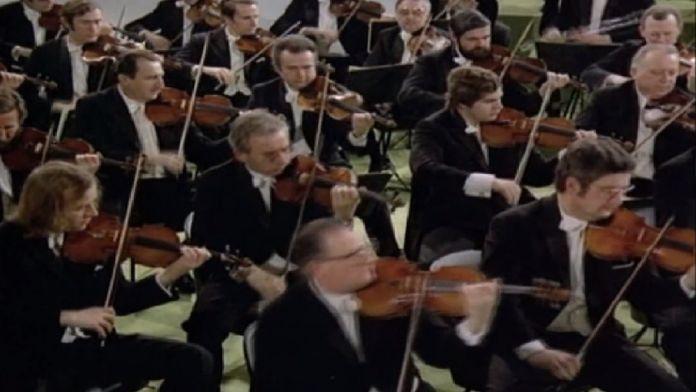 Beethoven - Symphonie n° 1 en ut majeur - Karajan