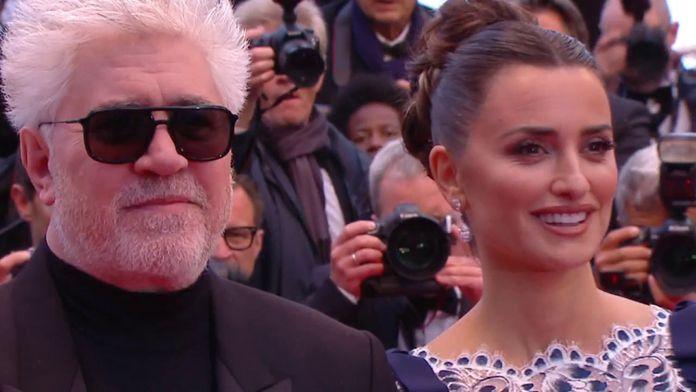 P. Almodóvar, P. Cruz, A. Banderas et l'équipe de Douleur et Gloire sur le tapis rouge  -Cannes 2019