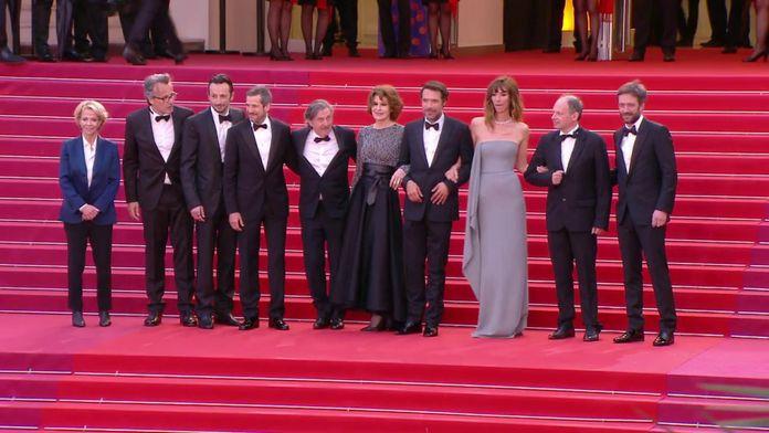La Montée des marches de l'équipe du film La Belle Epoque - Cannes 2019
