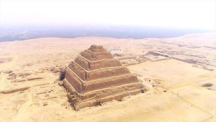 Pyramides : les mystères révélés