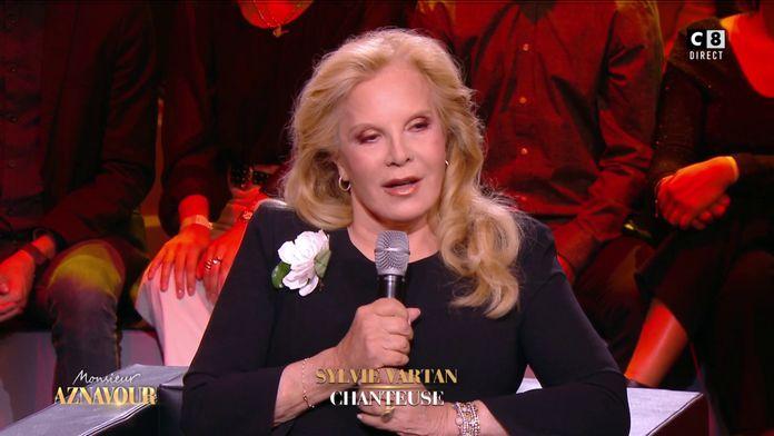 "Sylvie Vartan évoque sa rencontre avec Charles Aznavour : ""J'étais très intimidée'"