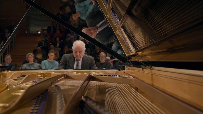 Schubert - Sonates pour piano n°4, 13 et 20 par Daniel Barenboïm
