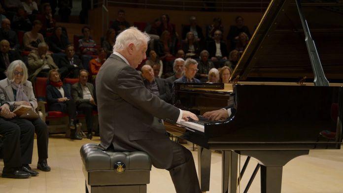 Schubert - Sonates pour piano n°9, 18 et 19 par Daniel Barenboïm